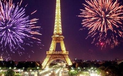 Новий Рік в Парижі особливості фото